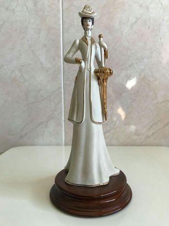 Estatueta de Porcelana