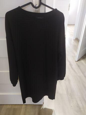 Czarna sukienka Amisu