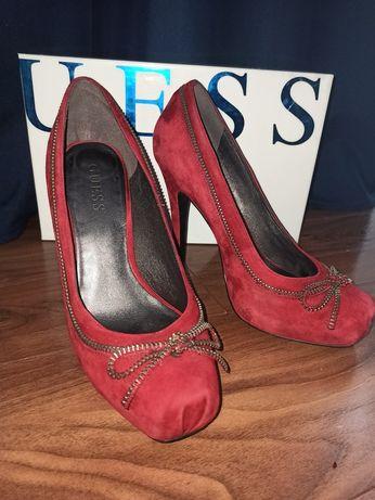 Czerwone / bordowe szpilki GUESS r. 37