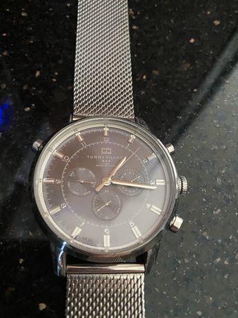 Oryginalny zegarek Tommy Hilfiger (uszk. Mechanizm)