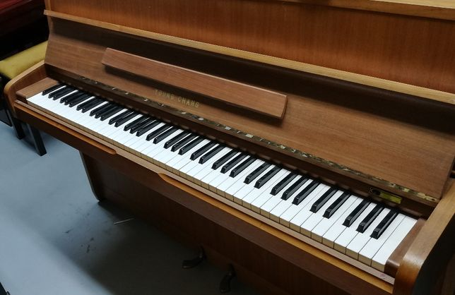 "Pianino ""Young-Chang"""