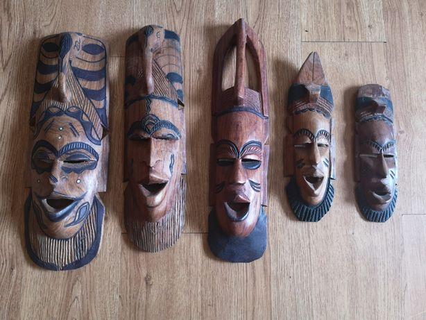 Máscaras em madeira