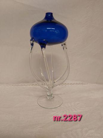 Szklana lampka oliwna