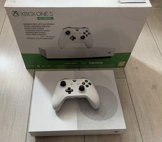 Продаю Xbox one s all digital (без привода)