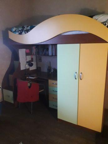 Детская кровать/шкаф/стол/комод