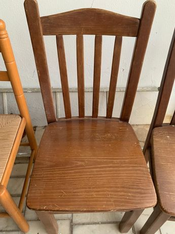 Cadeiras de boa madeira