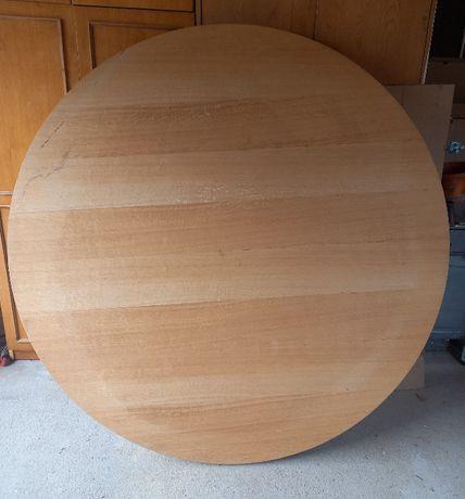 okrągły stół; kuchnia/ salon