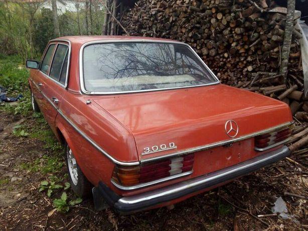 Mercedes 300 D antigo para peças