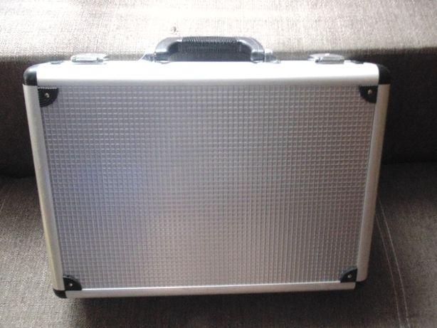 teczka-walizka aluminiowa firmy ZEPTER