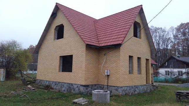Недобудований дім, будинок. Недостроенный дом