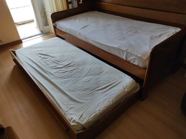 Mobília de quarto (4 móveis)