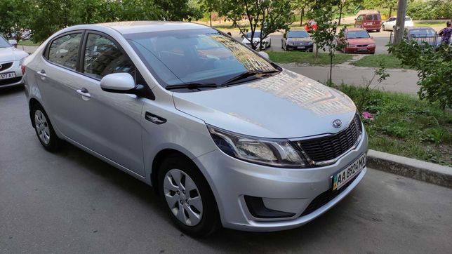 KIA Rio Sedan 1.4MT бензин, 08.2013