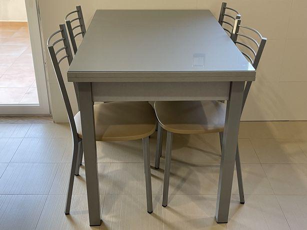 Conjunto- Mesa Cozinha Extensível + 4 cadeiras