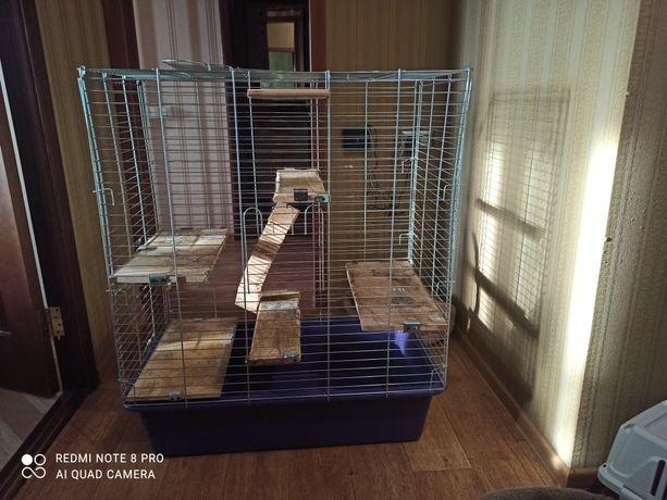 Продам клетку для грызунов ,шиншил.она очень большая и удобная.