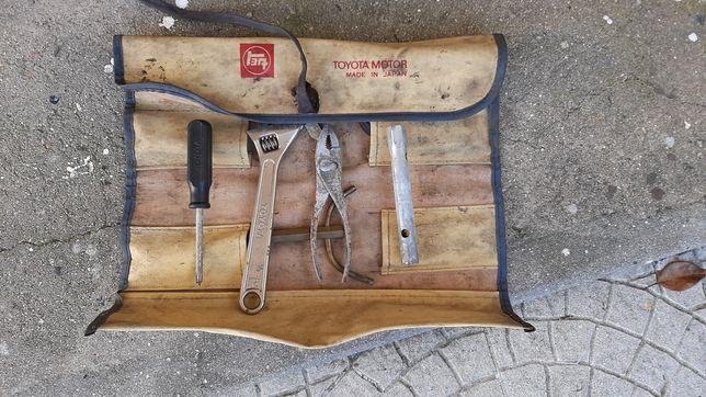 Estojo de ferramentas Toyota