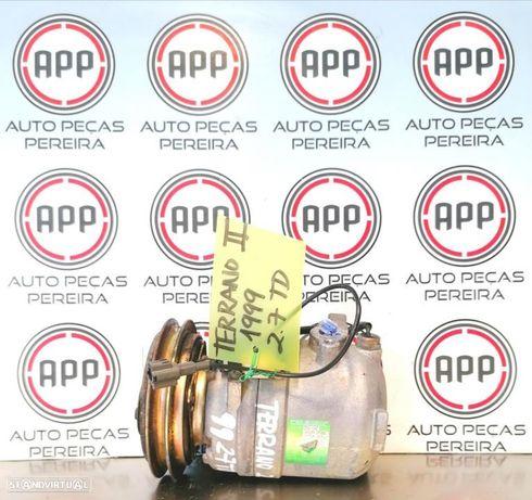 Compressor ar condicionado Nissan Terrano 2 de 1999 2.7 TD.