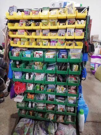 Стеллаж для дома магазина под семена с пластмассовыми лотками ящиками