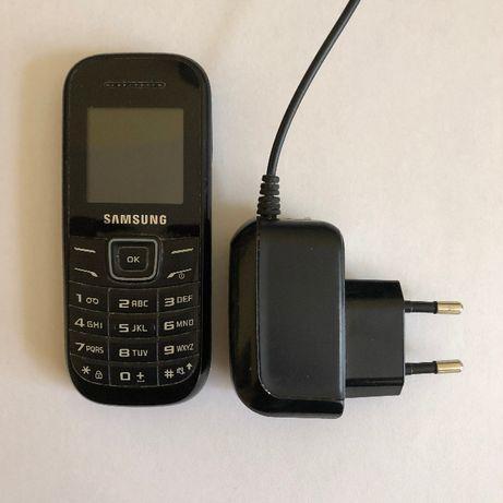 Telefon komórkowy Samsung GU46 Model GT-E1200I