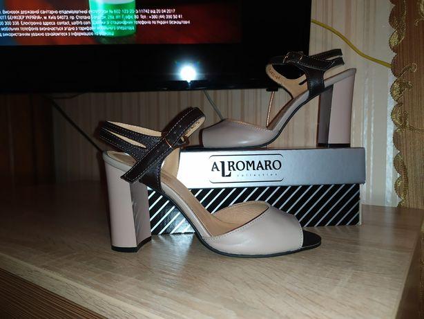 Кожаные нарядные босоножки Alromaro