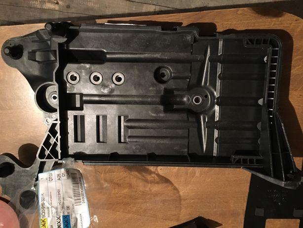 Wspornik akumulatora Seat Leon 3