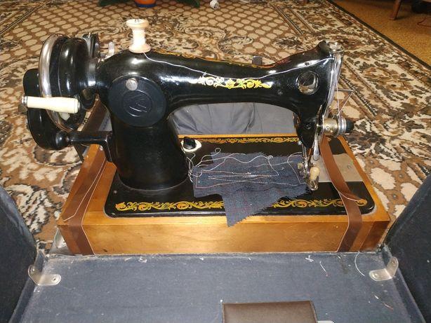 Продам швейную машинку Подольск 2м-34