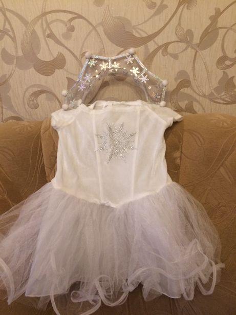 На девочку платье костюм СНЕЖИНКА
