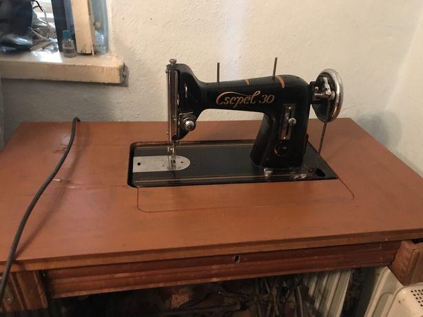 Швейная машина Csepel 30