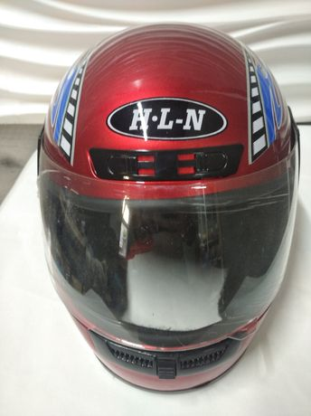 Шлем на голову. Мотоцикл мопед
