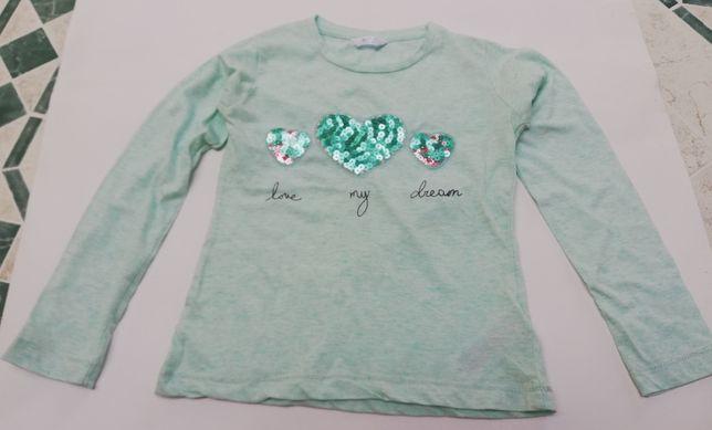 Śliczna bluzeczka z serduszkami rozmiar 122 cm na 6-7 lat.