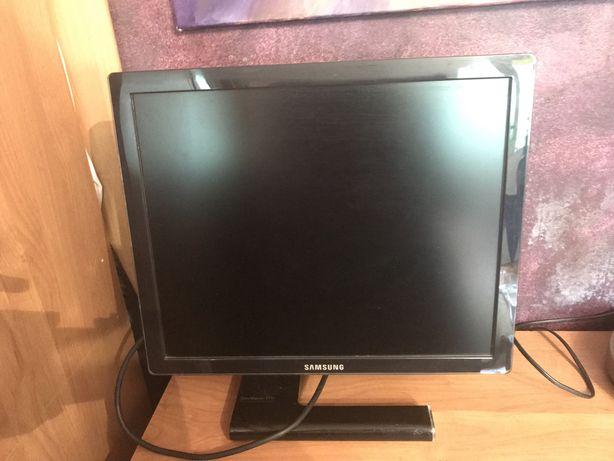 """Monitor LCD SAMSUNG SyncMaster 971p -19"""""""