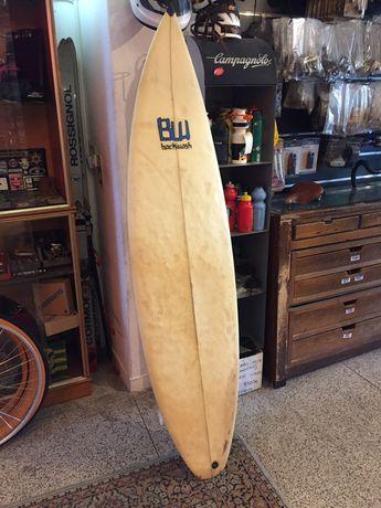 Prancha surfboard backwash