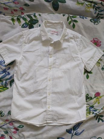 Biała koszula z krótkim rękawem z 5.10.15  rozm. 140