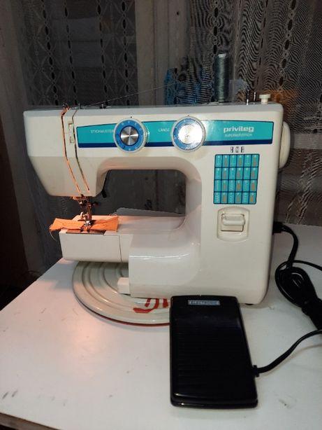 Швейная машина Priviltg S из Германии , производства Геррмани