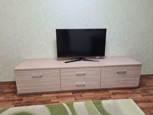 Тумба под телевизор с ящиками