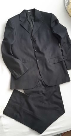 Czarny garnitur z