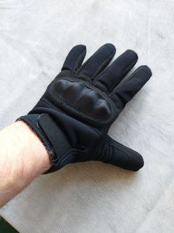 Перчатки с пластмассовой вставкой на кости