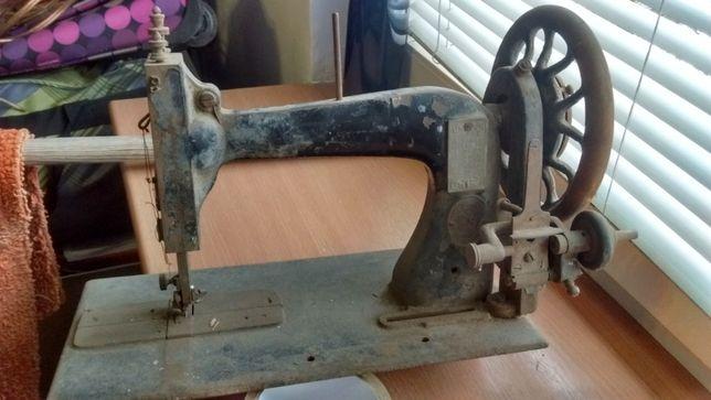 Sprzedam stara maszyne do szycia CLEMENS MULLER DRESDEN