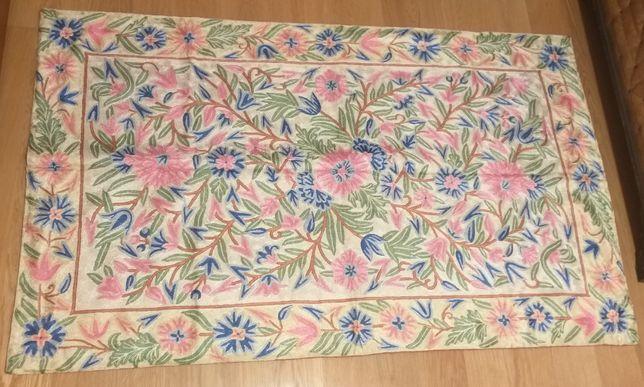 Painel bordado + almofadas bordadas (arte aplicada)