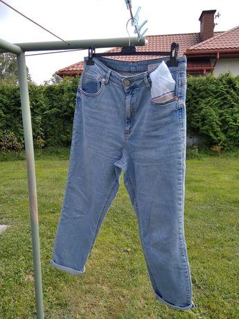 Boyfriendy spodnie jeansy Asos, klasyczne, jesień 2021