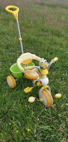 Rowerek dziecięcy trzykołowy dla najmłodszych z zabezpieczeniem.