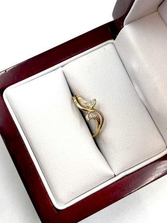 Złoty Pierścionek Pr: 585 Waga: 1,00 G R.7 PLUS LOMBARD