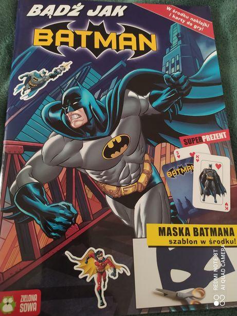 Książeczka Batman z maską w środku!