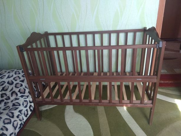 Кроватка на маятнике( шарнірах)