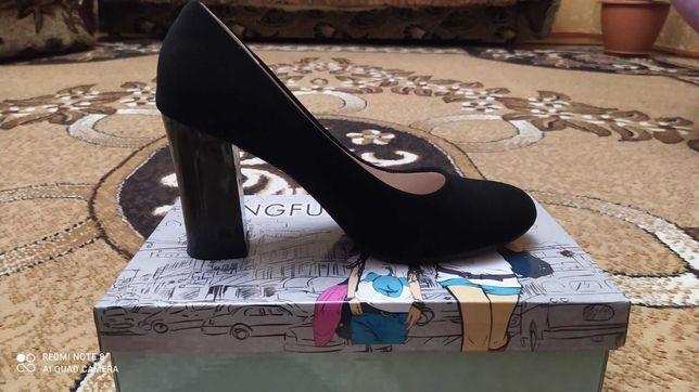 Туфли иск.замш состояние новых