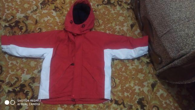 Детская куртка 5,6 лет