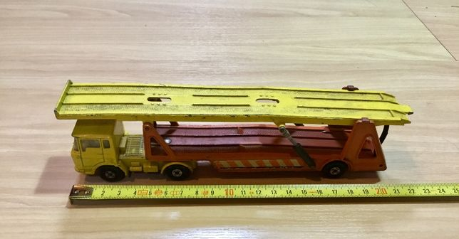 Miniatura Matchbox Superkings Daf Car Transporter