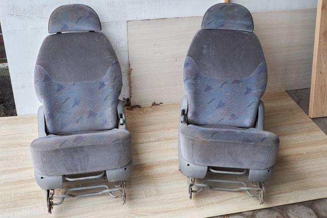 Sprzedam dwa fotele tylne III rząd do VW Sharan Galaxy Alhambra
