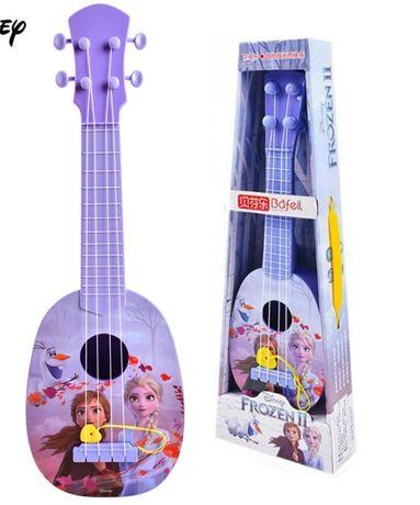 Gitara frozen 2 Elza Anna kraina lodu instrument muzyczny