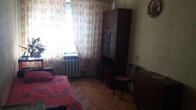 ЛУКЬЯНОВКА - Багговутовская - комната для парня , мужчины .