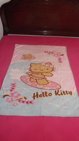 toalha de menina da Hello Kitty